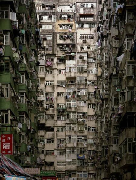 Michael Wolf photos of Hong Kong / Architecture of Human Density (3/3)