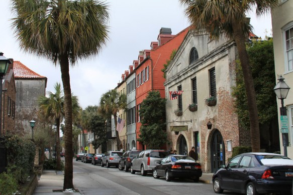 Queen Street in Charleston. (charlestondailyphoto.blogspot.com)