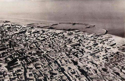 Kuwait City before the oil boom. (kora.com)
